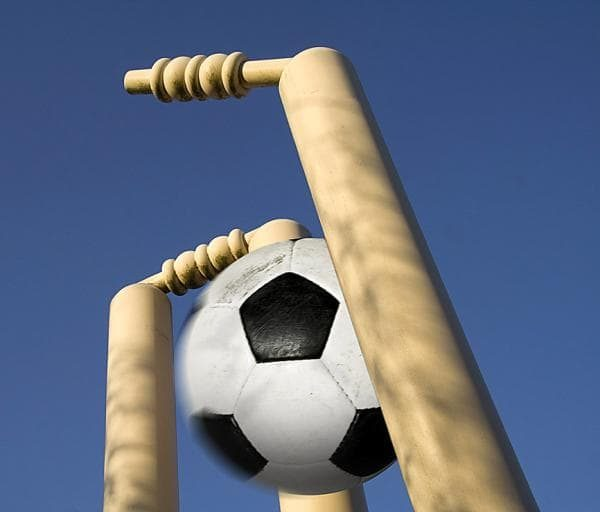 Students who love Cricket Vs Students who love Football: Who wins ??